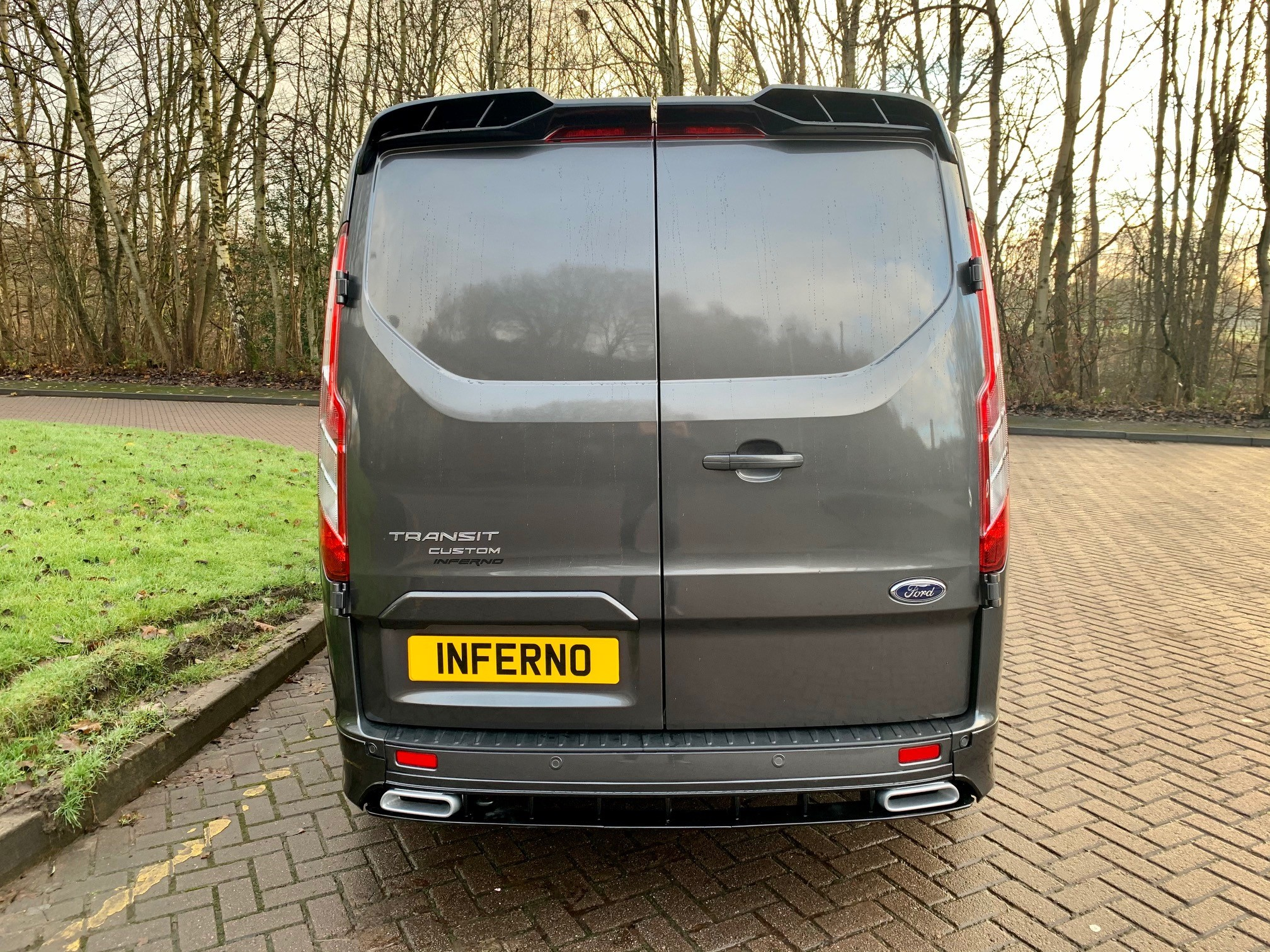 004.jpg - 300 L1 DIESEL FWD 2.0 EcoBlue 170ps Low Roof Limited Van Auto Inferno-X