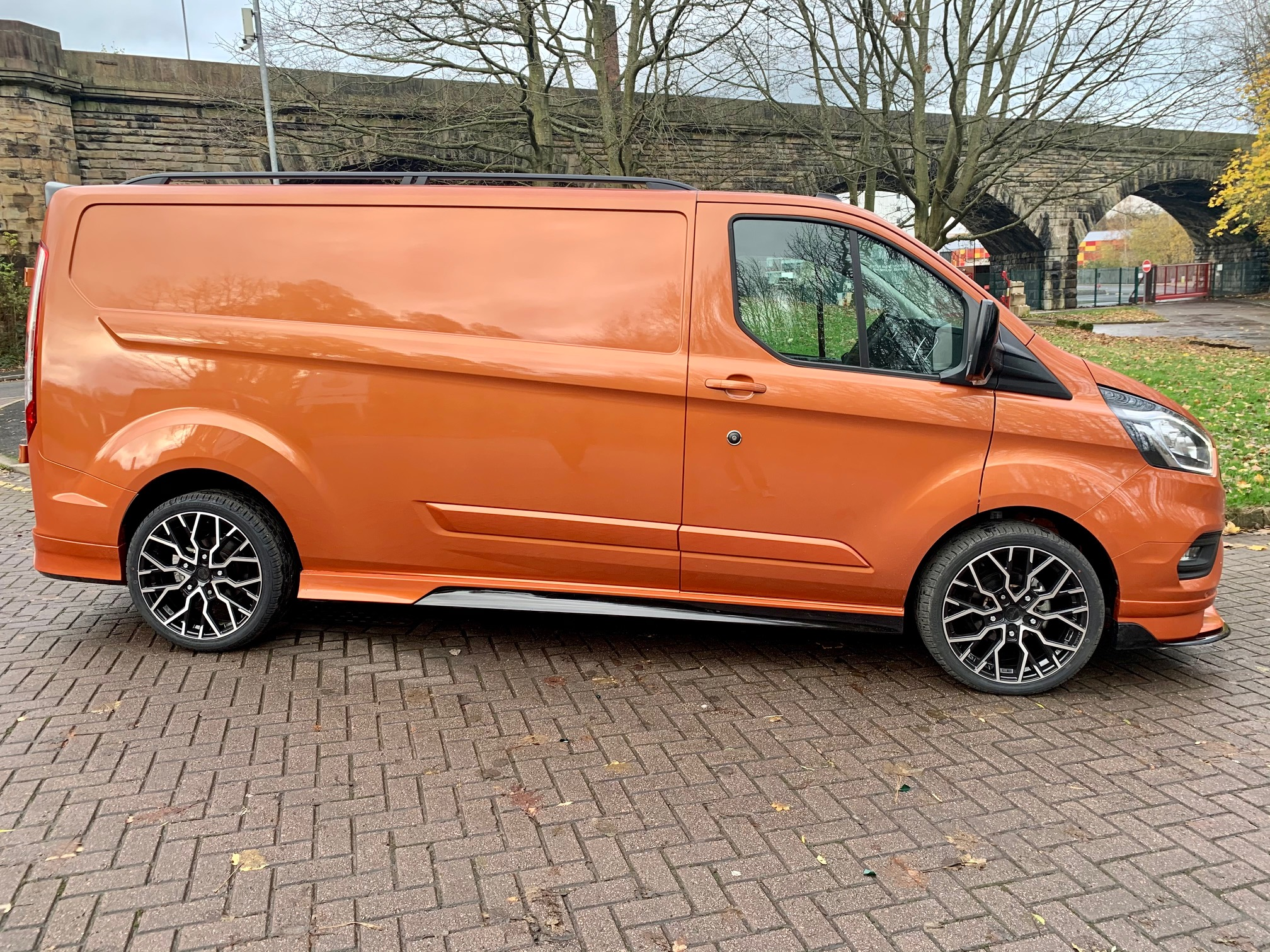 IMG_8018.jpg - 320 L2 DIESEL FWD 2.0 EcoBlue 185ps Low Roof Limited Van Auto Inferno-X