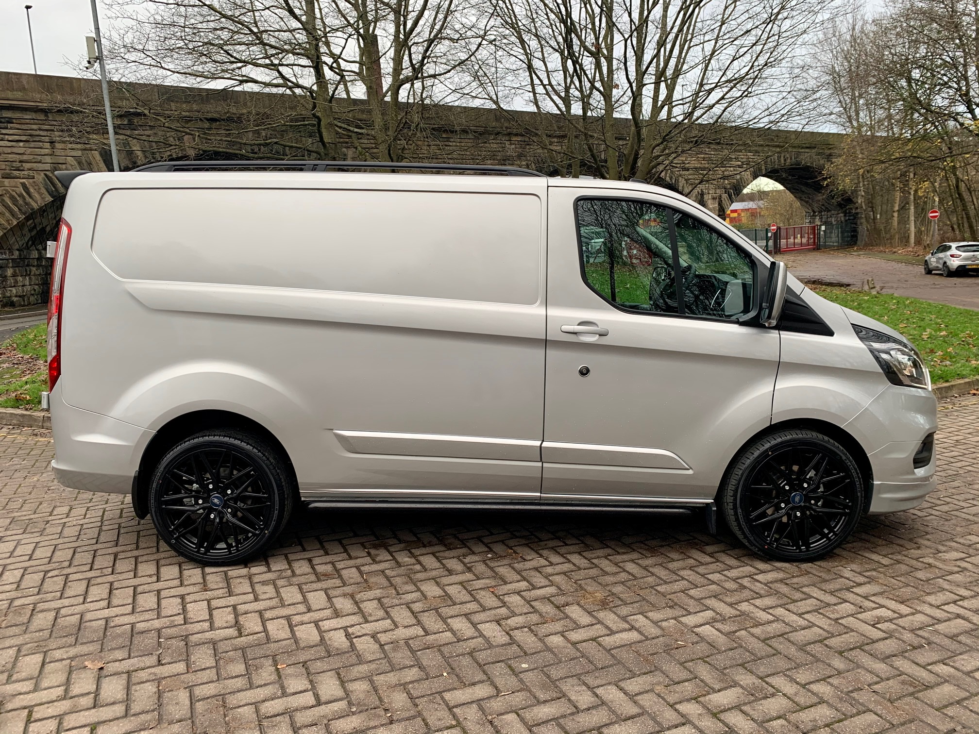 IMG_8180.jpg - 300 L1 DIESEL FWD 2.0 EcoBlue 170ps Low Roof Limited Van Auto Inferno
