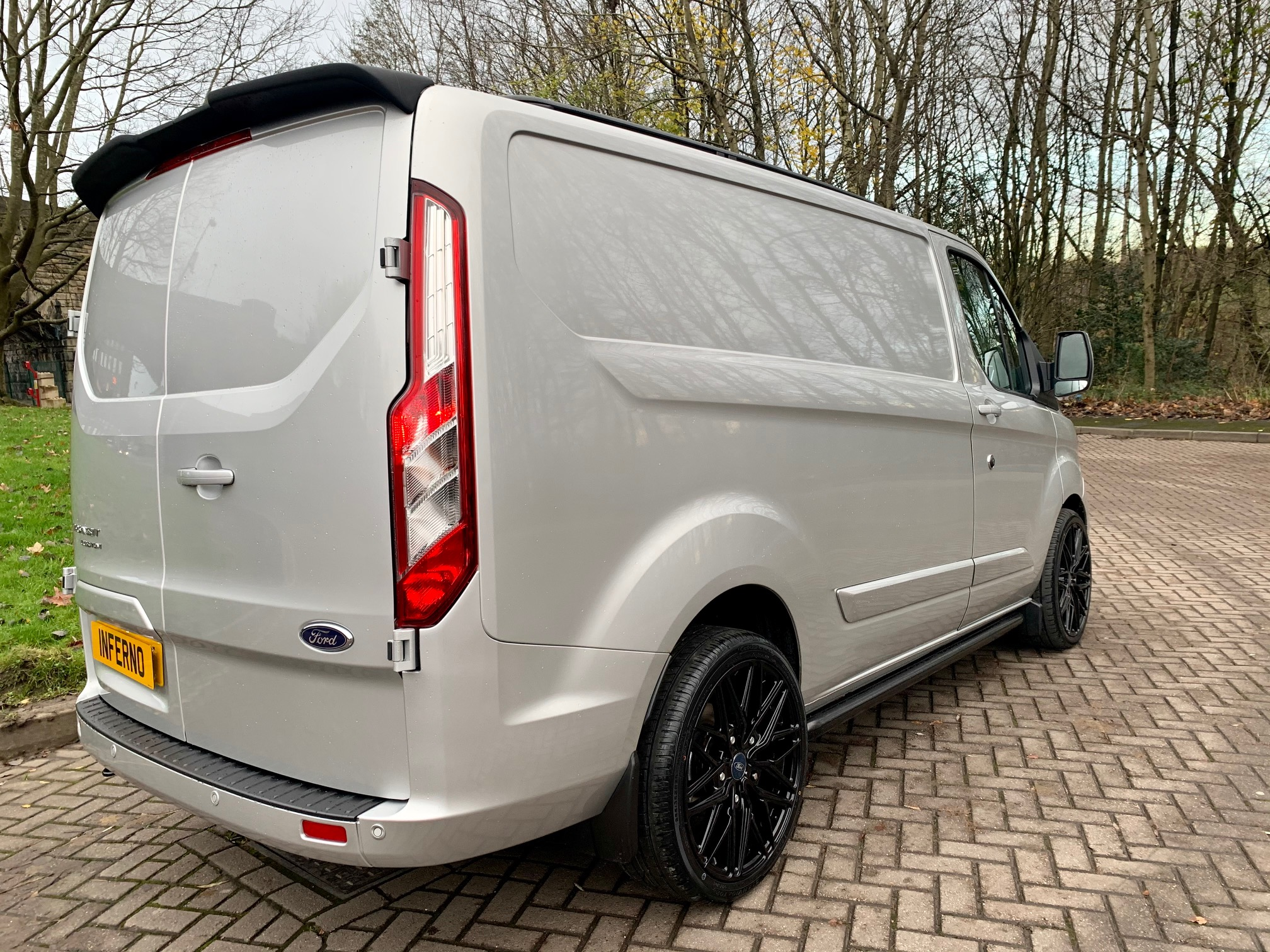 IMG_8181.jpg - 300 L1 DIESEL FWD 2.0 EcoBlue 170ps Low Roof Limited Van Auto Inferno